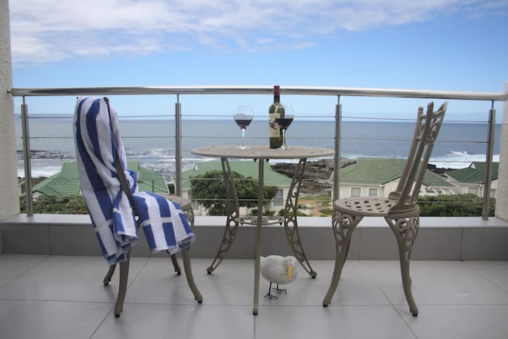 Stunning sea view self catering apartment. - Hermanus - Apartamento