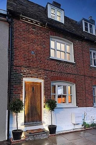 Boutique Luxury Cottage, Aylesbury