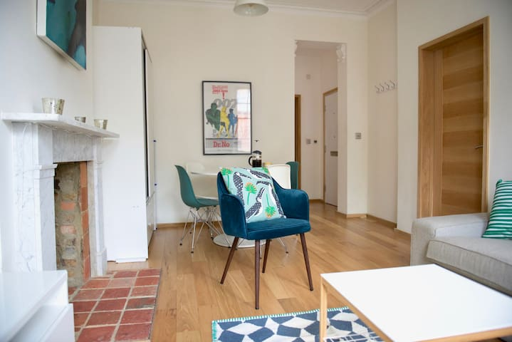 Bright, quiet and cosy flat in Chelsea