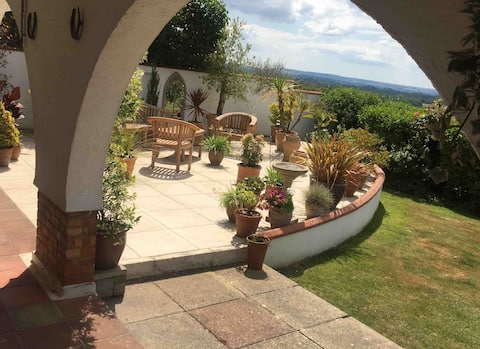 Superb base for touring Dorset countryside & coast