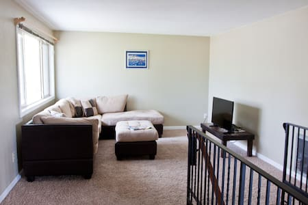Top Floor 2 Bedroom, 1300+ Sq Ft Apartment - Spokane