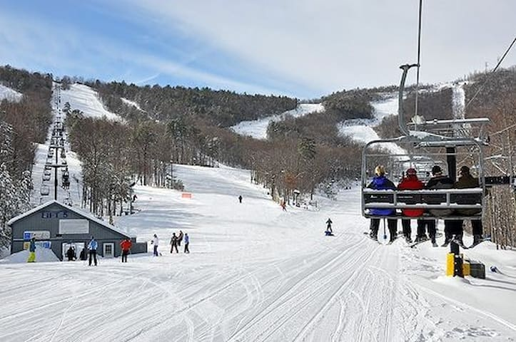 Slopes open 11/23!!!  10% off 3+ night stay!