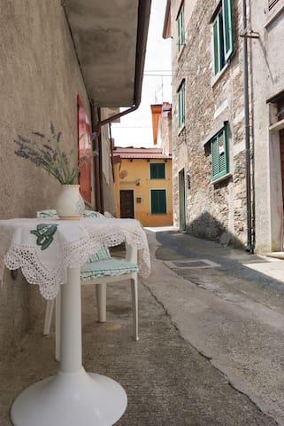 La casa di Tommy sulle Alpi Apuane_1