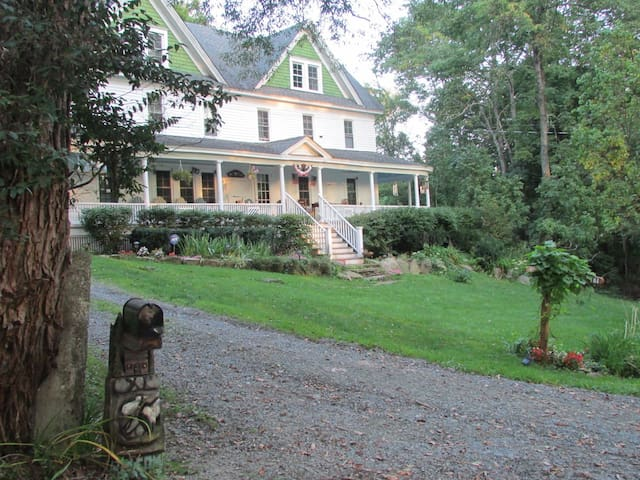 Bethel Pastures Farm Bed & Breakfast - Jeffersonville - Penzion (B&B)