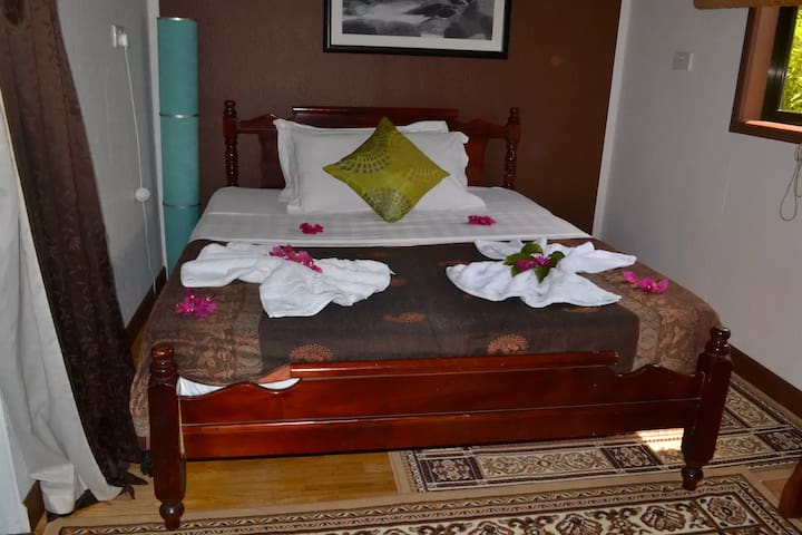 'Villa Authentique' Double Room - La Digue - Bed & Breakfast