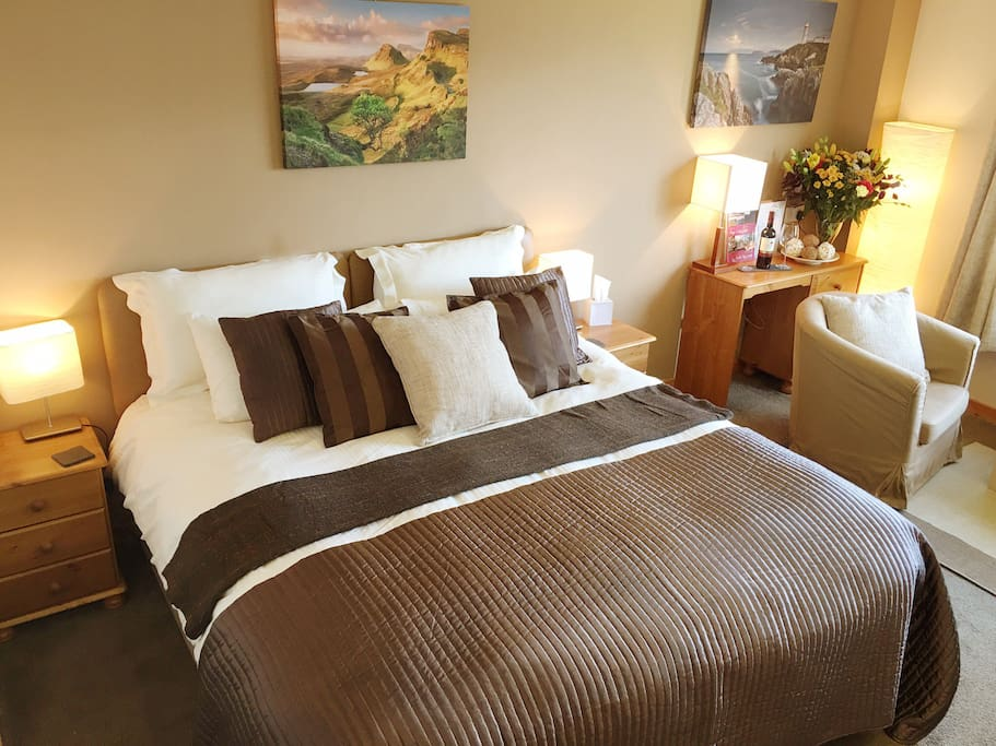 Room 7 as a Superking Double : This Room can also be a twin with two single beds