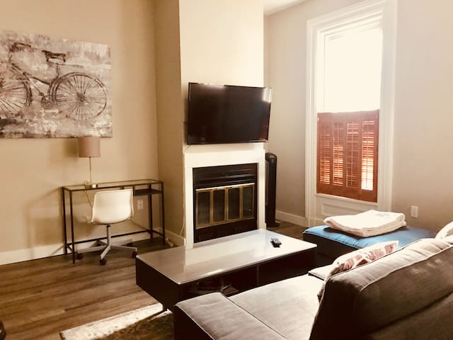 Excellent Dresden Row location with Parking.