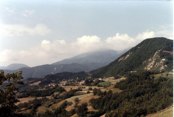 Casa in sasso sull'Appennino a 1000 mt - Novellano - Dům