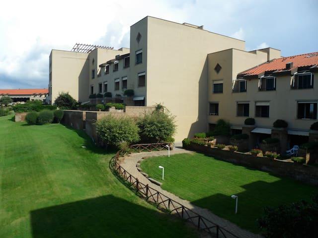 "Appartamento ""B"" - Residence I Boboli Punta Ala"