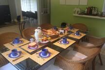 Linda Casa em Condomínio Particular na Ferradura