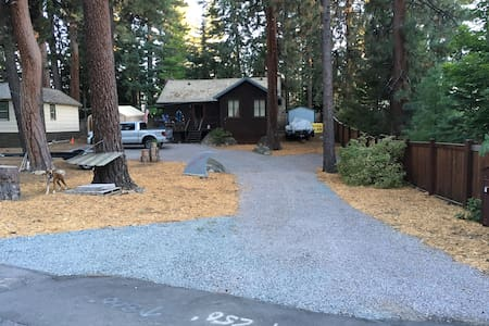 LOCATIONx3!!  Charming Cabin/New bed/Free Keurig! - Kings Beach - Cabin