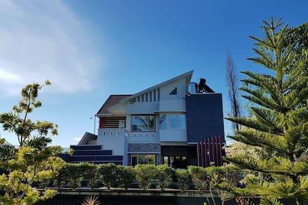 The Pieter's Villa Residence