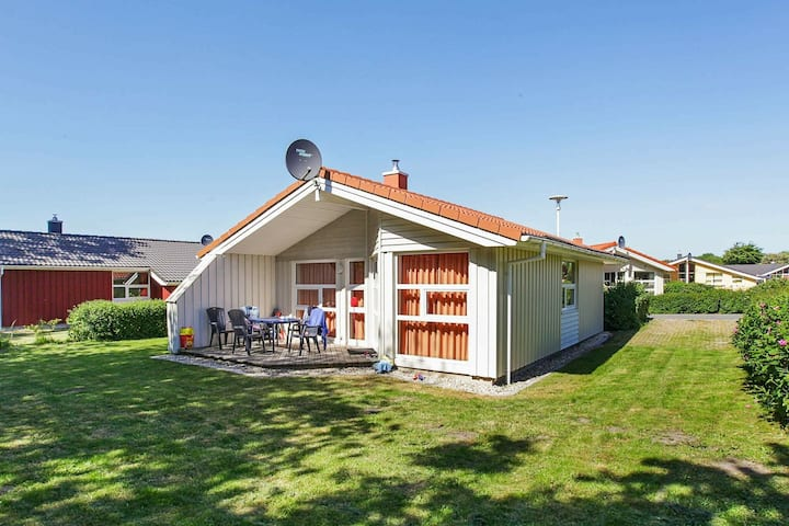 4 star holiday home in Grömmitz