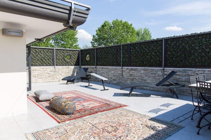 Attico con grande terrazzo solarium - Limena pd - Bed & Breakfast