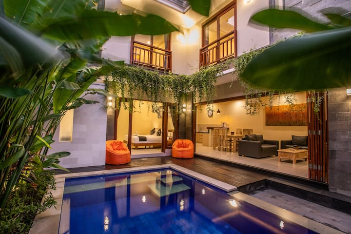 Sivart Villa 2 Legian Free transfers and breakfast