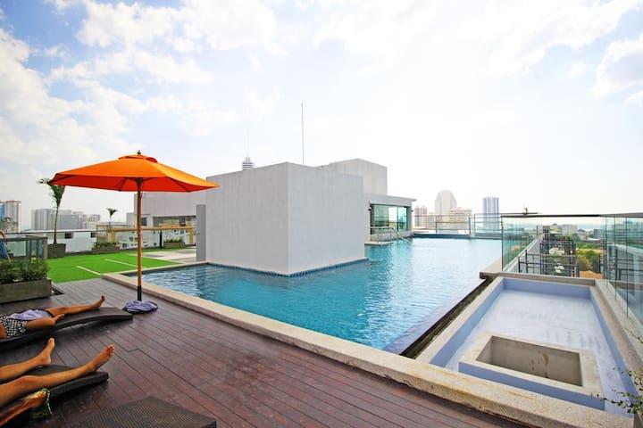 SeaView apartment  @ Water Park Condo