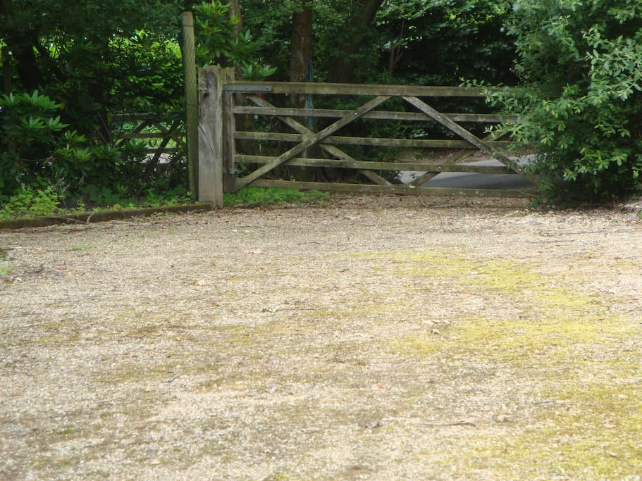 Own access to the barn with long gravel drive