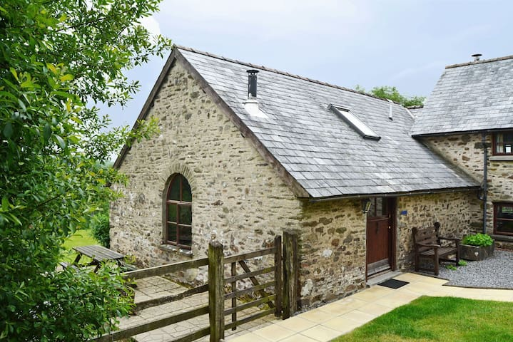 Delightful pet-friendly spacious barn conversion in Exmoor National Park. Pet-friendly.