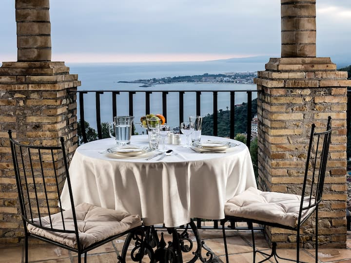 LuxuryResidenceTaormina Mediterraneo 1-bedroom-apt