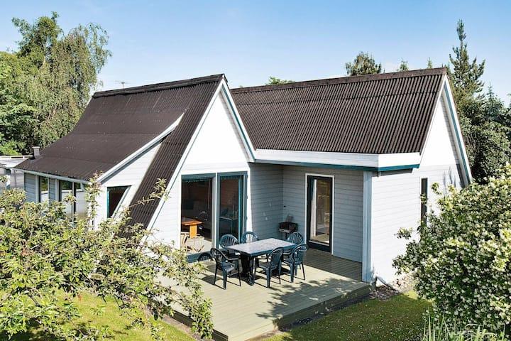 Modern Holiday Home in Eskebjerg near Sea
