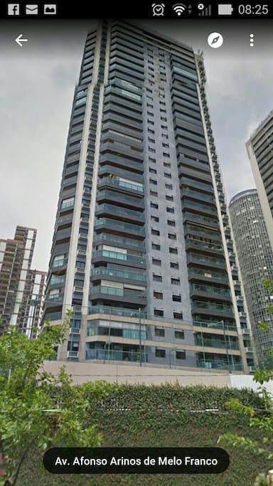 Fachado do prédio do apartamento