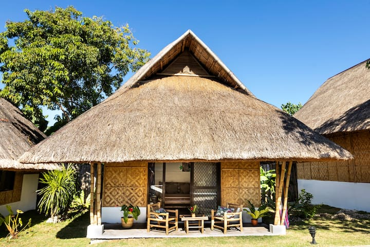 Deluxe cottage Woodpecker new eco resort with pool
