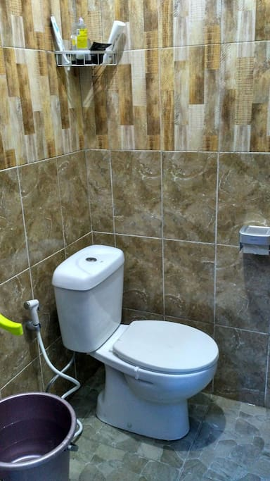 Bathroom with hot water provided