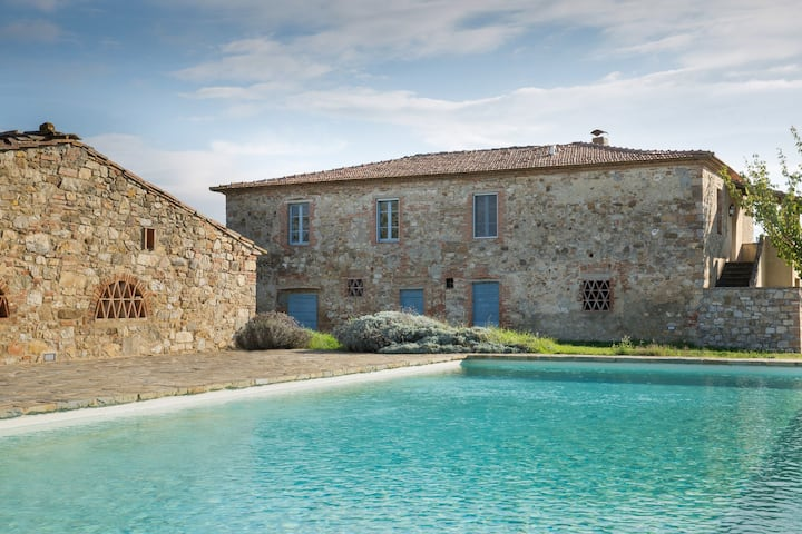 Stone-built farmhouse with pool by Vacavilla