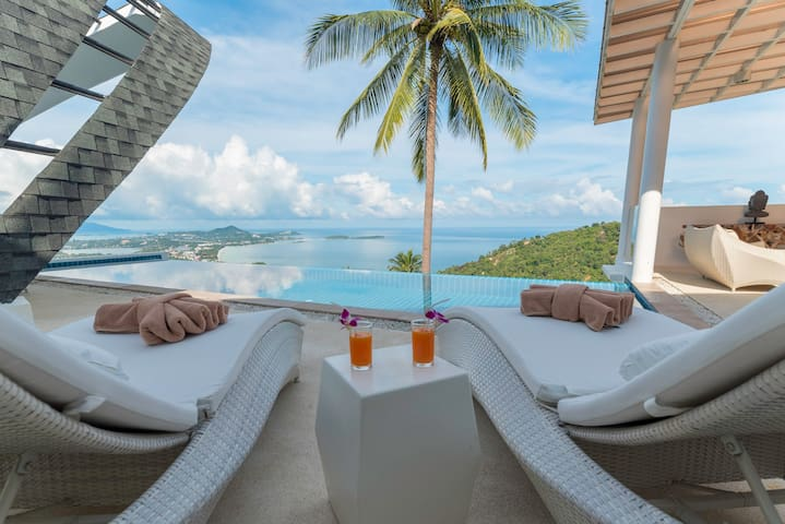 Luxury MoonVilla 4BR-Private Infinity Pool&SeaView
