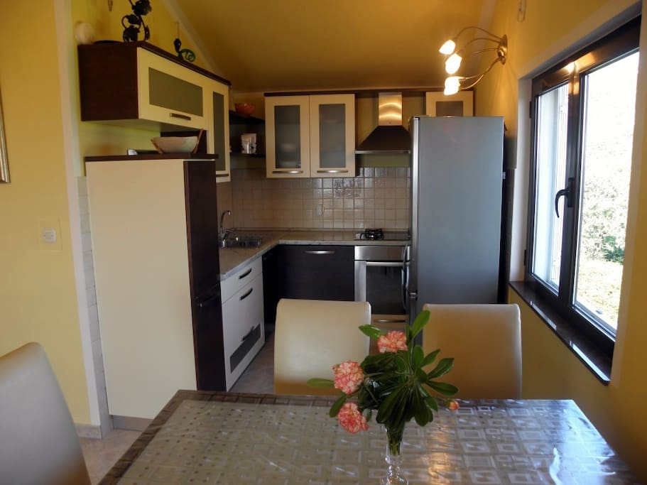 Charming two bedroom apartment in palit flats for rent