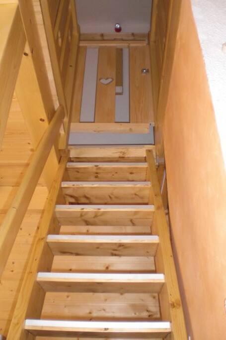 Escalier pour les 2 chambres
