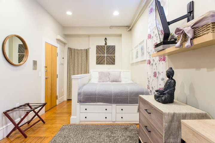 Boston Best furnished Studio (H2a)