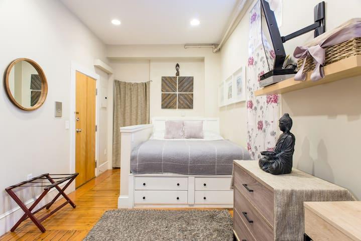 Boston Best furnished Studio (H2a)