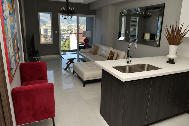 Modern Elegant&Luxurious Apt Centric and Exclusive