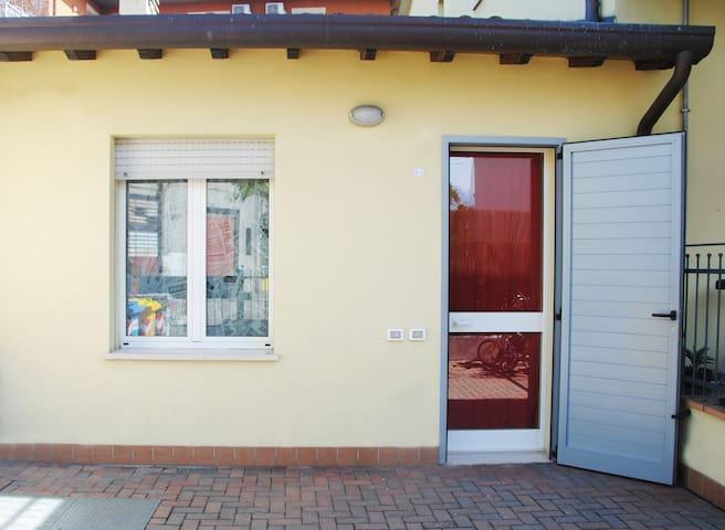 Comodo e accogliente bilocale - Forlì - Apartmen