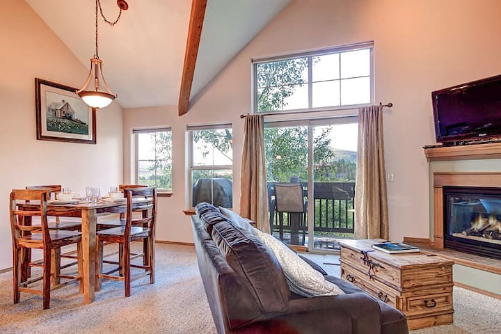 2BR/3BA Townhome in Frisco