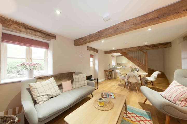 Dibbles Cottage, Renovated Barn