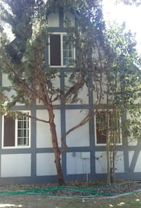Enchanting storybook guesthouse. - Solvang - Appartement
