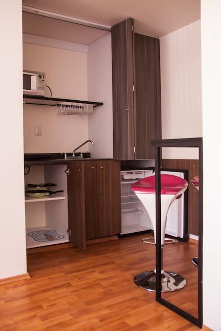 Cocineta totalmente equipada