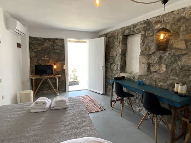 Room with TV dining table ....