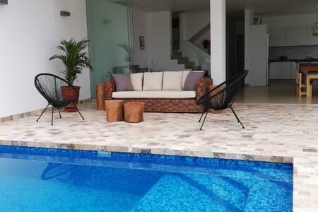 Asia Casa de Playa, acojedora y espaciosa!