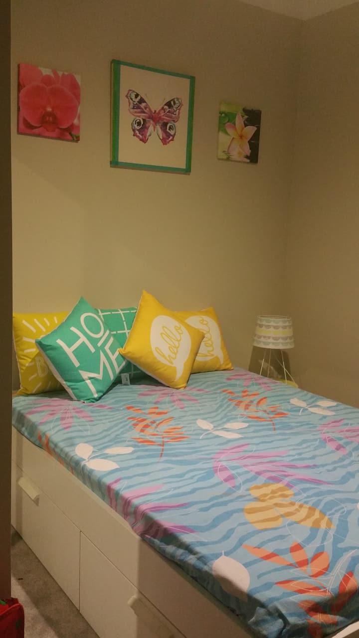 Beautiful bedroom BIR & TV/DVD