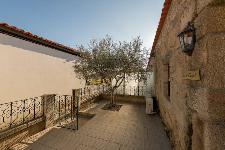 Ruhiges Ferienhaus mit Pool in Vila Flor Portugal