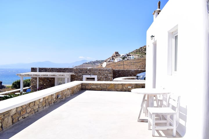 Chorioulaki  Cozy House with Sea View in Mykonos