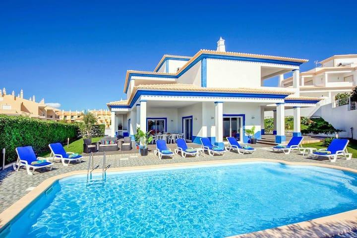 Algarve Villa with Sea View