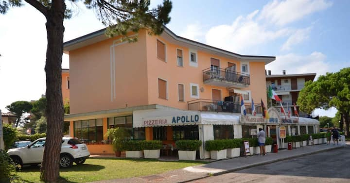 apt for 5 persons with a/c in Bibione R81376