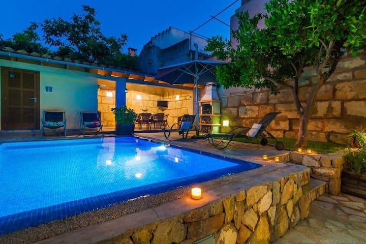 CAN VALL - Casa con piscina, porche y barbacoa