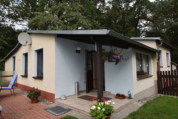 Lovely two-room holiday bungalow in quiet rural location