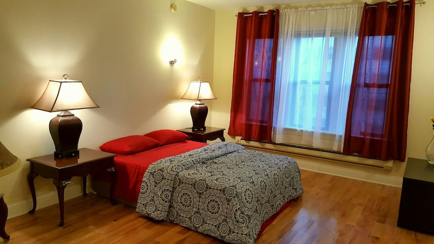 DOWNTOWN SPACIOUS STUDIO 5MIN TO MOST ATTRACTIONS - Chicago - Appartement