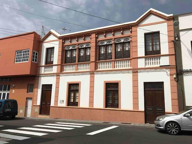 casa Los Molinos , una preciosa fachada